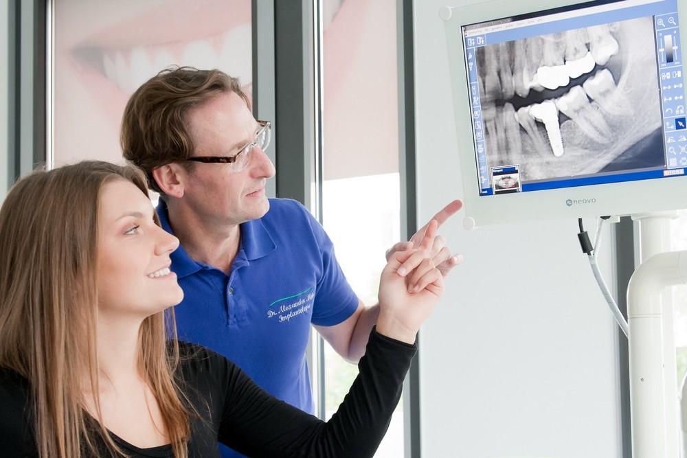 Zahnimplantate und Zahnersatz  in Neu-Isenburg, Frankfurt. Dr. Mohr
